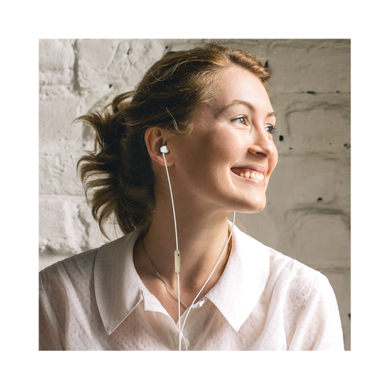 N20U - Silver - Reference class in-ear headphones with universal 3 button remote. - Detailshot 6